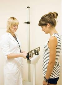 Vetpercentage meten of BMI berekenen: wat is beter?