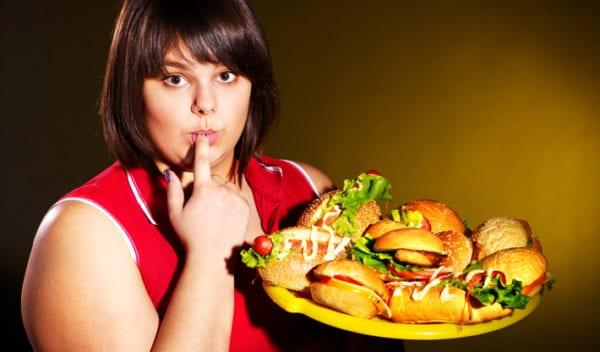 Overeten: 7 redenen waarom we té veel eten…