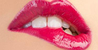 Schrale lippen: 5 tips om droogte & schraalheid te voorkomen