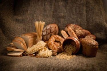 Volkorenbrood & -pasta zorgen voor een plattere buik