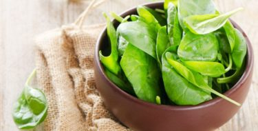Spinazie: de goede + slechte eigenschappen van bladspinazie