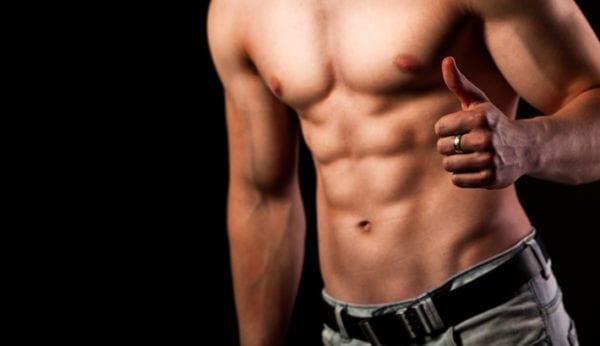 Wil jij strakke buikspieren trainen? Volg dan deze 4 tips!