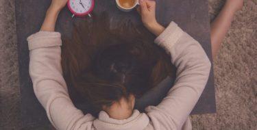 Vaak moe + lusteloos: oorzaken van vermoeidheidsklachten