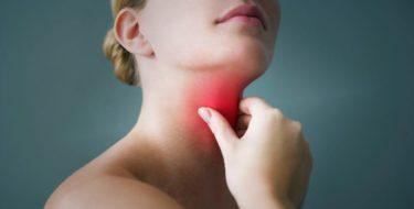 Keelpijn: de 9 beste remedies & medicijnen bij keelpijn