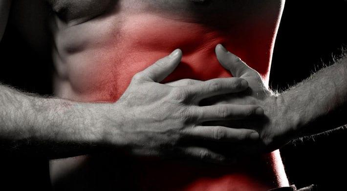 Pijn rechts onder ribben bij inademen