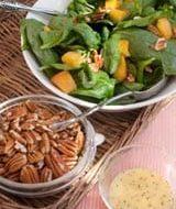's Zomers recept voor spinaziesalade met peer