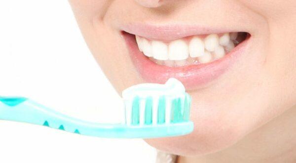 Wat is nou het exacte verband tussen aften & tandpasta?