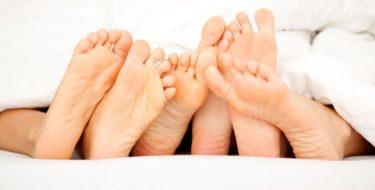 dikke voeten gezwollen