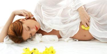 Zwanger & buikpijn – 4 tips bij pijn in de onderbuik tijdens zwangerschap