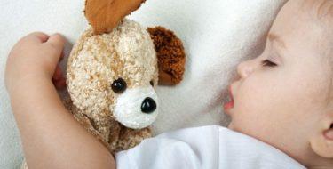 Bedplassen: 8 tips voor als je (kind) in bed plast