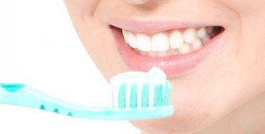 Tandplak & tandsteen – Hoe ontstaat plaque op je gebit?