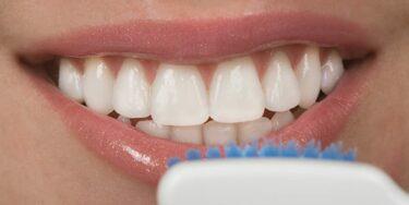 Tandvleesproblemen: behandeling, symptomen & oorzaken