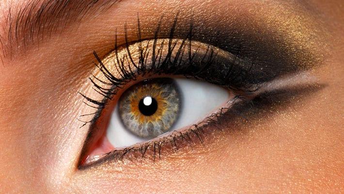 oogschaduw aanbrengen opdoen