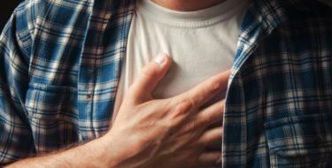 Pijn borstbeen – 5 mogelijke oorzaken van sternumklachten