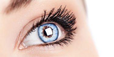 Vlekjes voor je ogen: wat zijn die (bewegende) kronkeltjes, sterretjes & dingetjes in je blikveld?