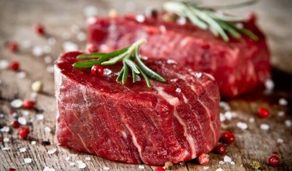Plakvlees: HEEL veel vleeswaren bestaan uit vastgelijmde stukjes vlees!