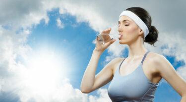 Te weinig drinken & symptomen vocht tekort: wat gebeurt er met je lichaam?